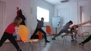 Ćwiczenia na zajęciach sportowych w Czeladzi